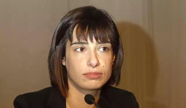 Ράνια Σβίγκου μια απο τις ελάχιστες εμφανίσιμες κομμουνίστρια του ΣΥΡΙΖΑ :Αποτελεί τιμή για την κυβέρνηση να είναι υπουργός ο Ν. Φίλης.