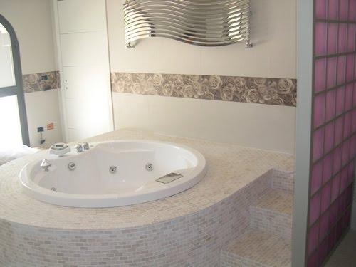 Vasca Da Bagno In Muratura Prezzo : Vasca da bagno in muratura