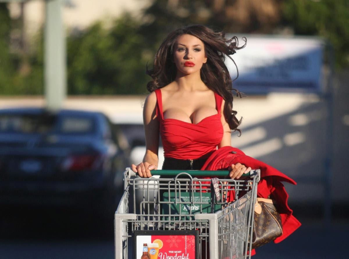Courtney Stodden Hot in Red