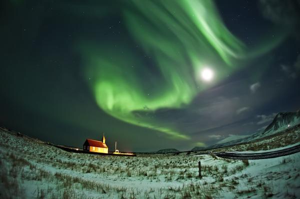 gambar pemandangan di Iceland oleh Raymond Hoffmann