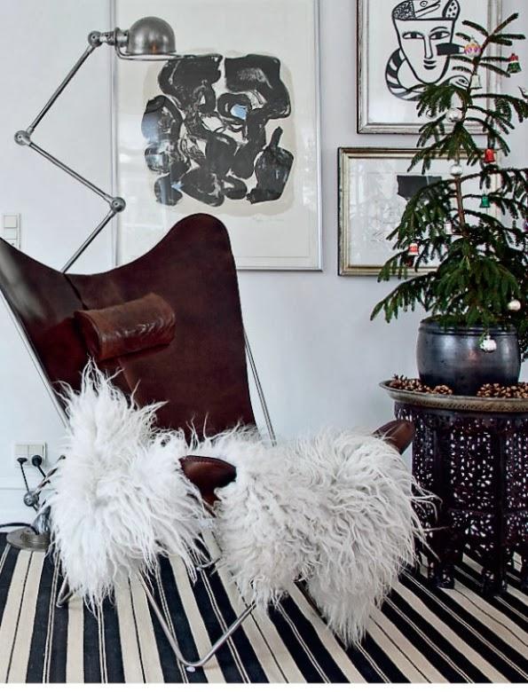 sillon de cuero con mesita árabe