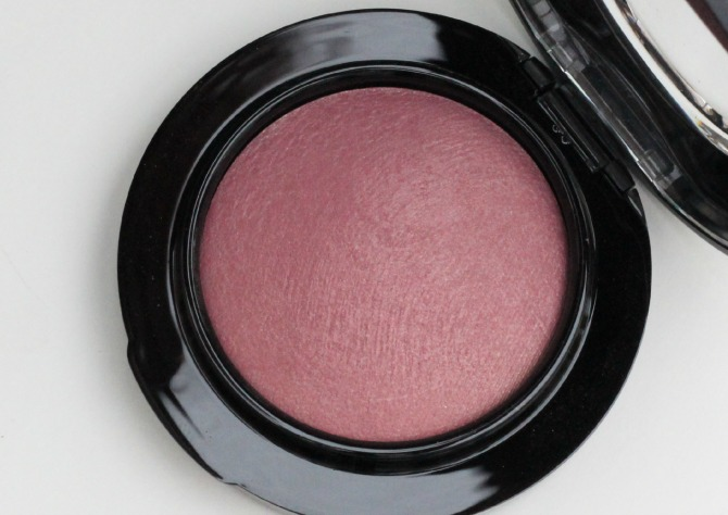 MAC blusher in Gentle