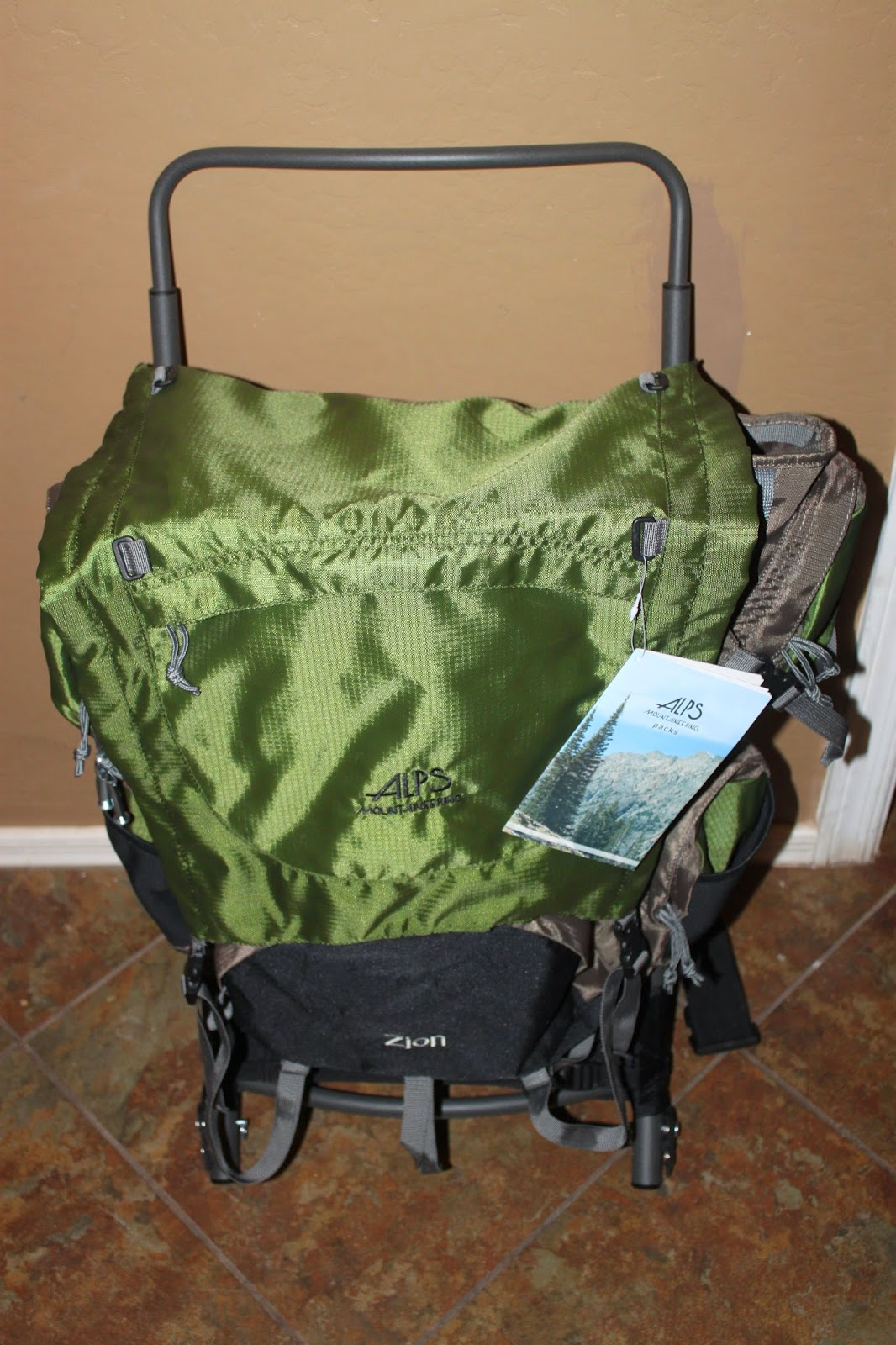 Stereowise Plus: Alps Mountaineering Zion External Frame Backpack Review