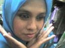 Lin Dengan Tudung Biru.