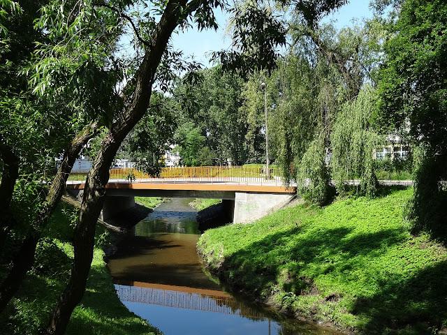 Most nad Silnicą w ulicy Biskupa Czesława Kaczmarka