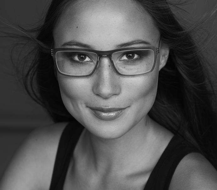 Monica wears Monoqool's minimal mass glasses