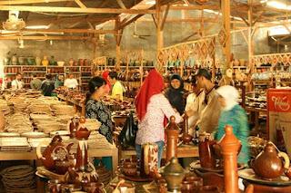 oleh-oleh khas lombok, kerajinan khas lombok, oleh-oleh kerajinan lombok, souvenir khas lombok, kerajinan gerabah di lombok, desa banyumulek lombok, gerabah banyumulek