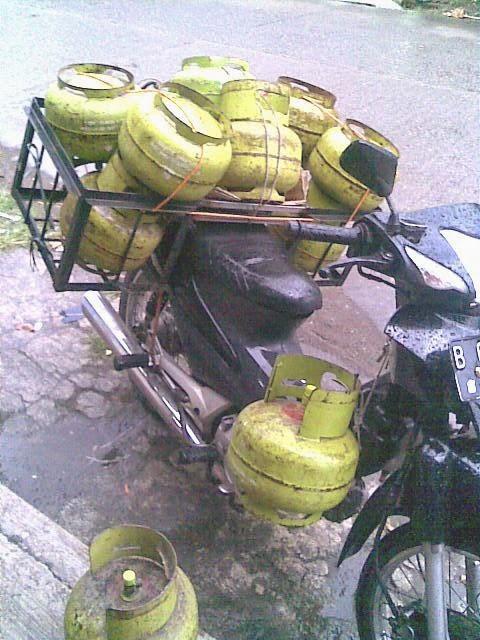 Membeli Motor Bekas