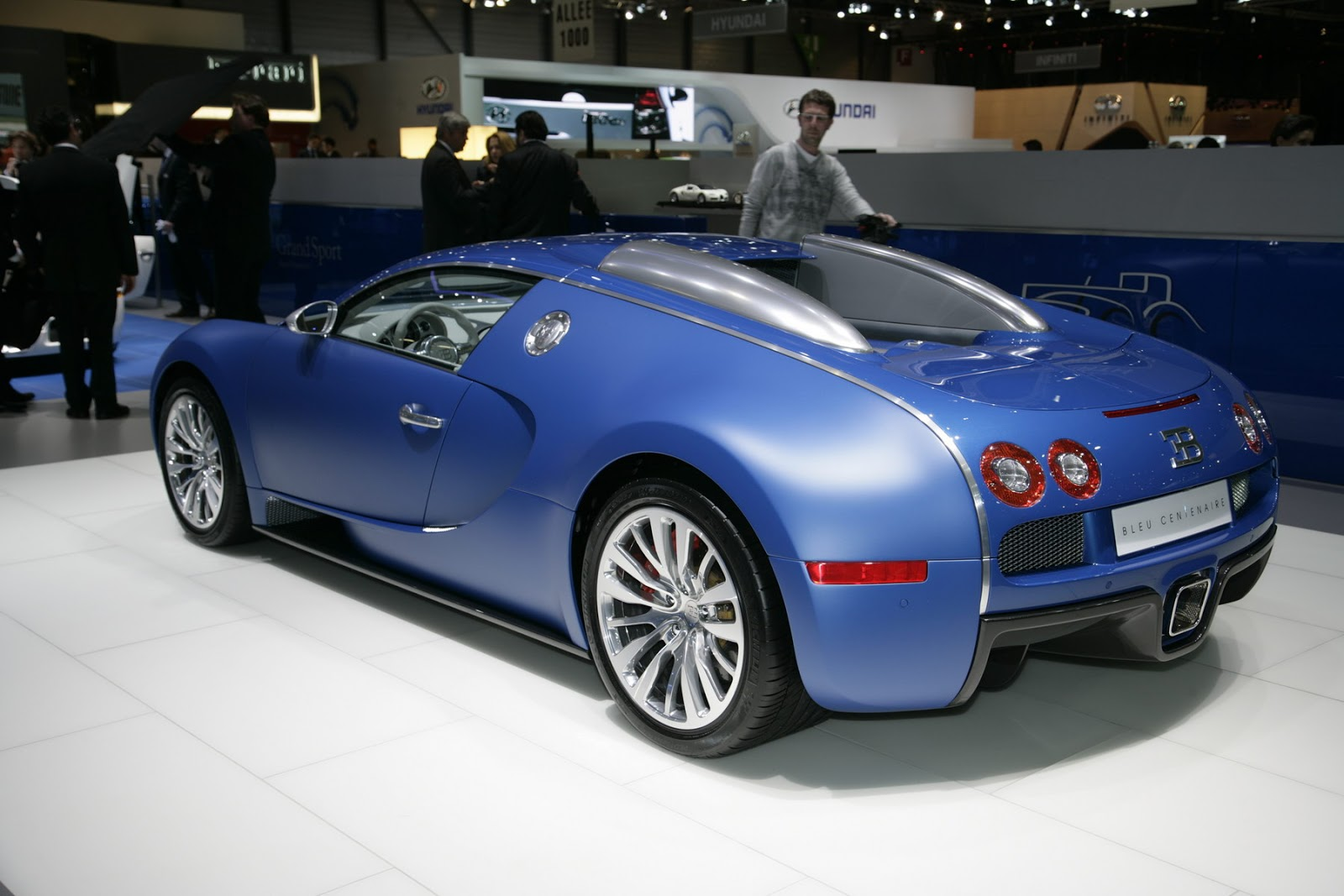 bugatti veyron bleu centenaire 2009 auto cars concept. Black Bedroom Furniture Sets. Home Design Ideas