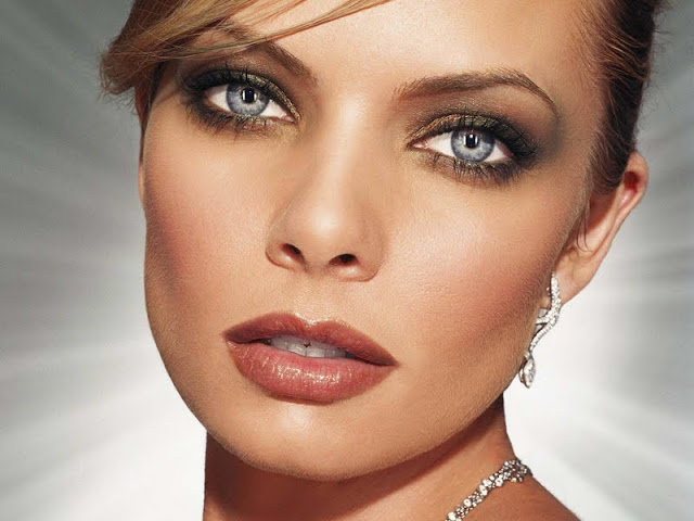 Jaime Pressly Biography and Photos 2011