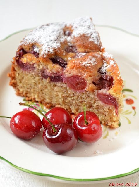 Torta-di-ciliegie-e-mandorle