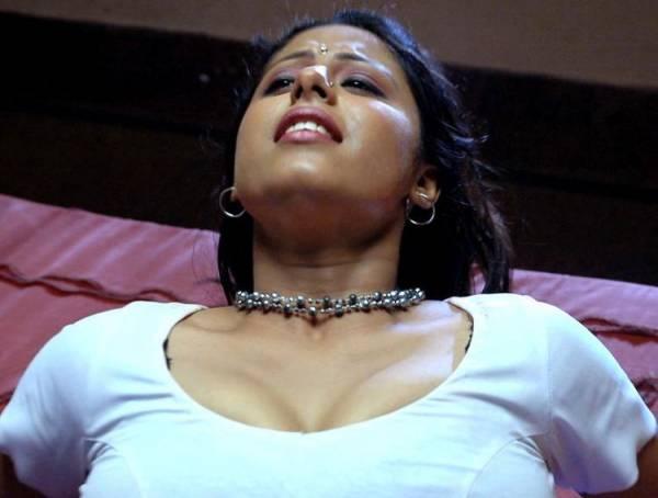 Sunakshi-In-Nishabd-Viplavam-Hot-Stills-Pics-8.jpg