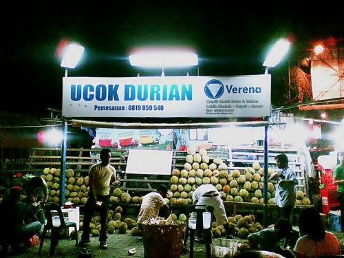 buah durian kedai bang ucok dan kedai durian pelawi liputan medan rh liputan medan blogspot com