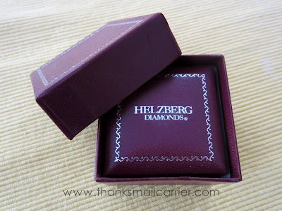 Helzberg Diamonds box