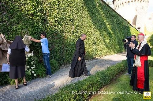 Gaspar el lugare o la imagen de la virgen de la caridad for Jardines vaticanos