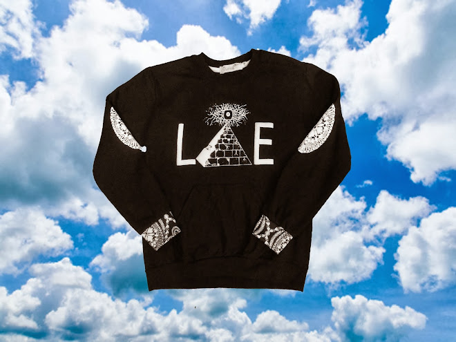 Black Lie Pyramid Crewneck