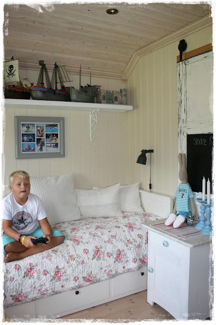 Drømmer & stæsj på sandvik: gutterommet til junior