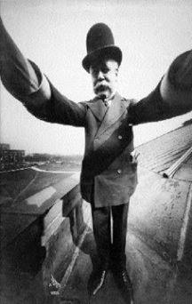 http://dangstars.blogspot.com/2014/11/selfie-telah-ada-sejak-100-tahun-lalu.html