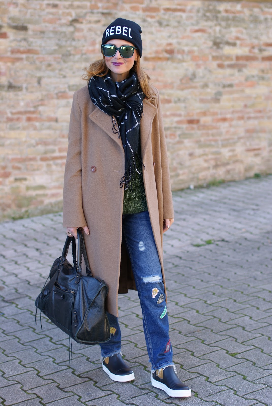 Frayed hem patched jeans and camel maxi coat with B&H shoes flats on Fashion and Cookies fashion blog, fashion blogger style