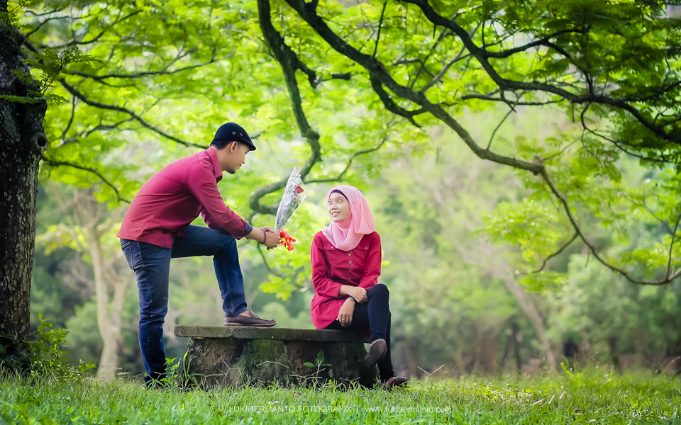 Foto prewedding romantis