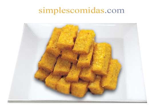 bastones de polenta frita