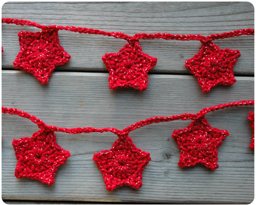 crocheted Christmas star garland