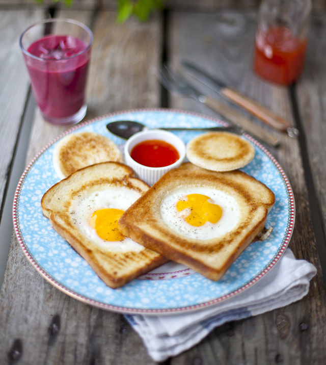 hole in the bread, breakfast idea,