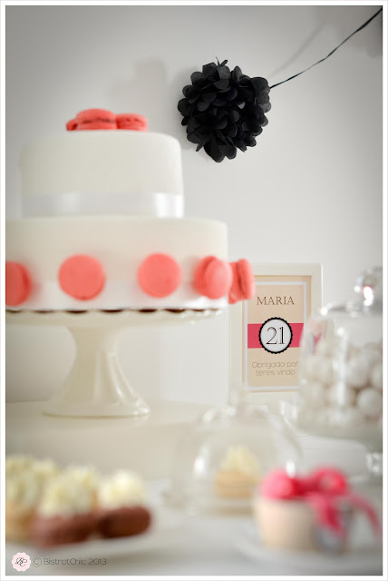 Pink and black 21 st birthday party cake from Bistrotchic