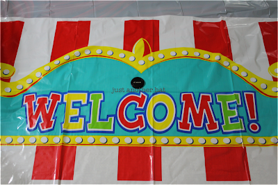 giant outdoor carnival welcome sign
