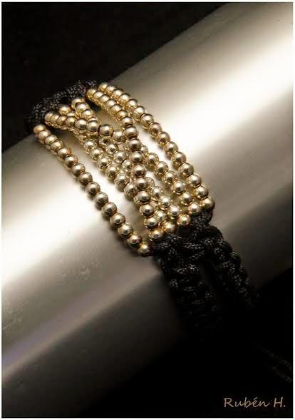 Brazalete de bolas de plata, Joyería artesanal personalizada