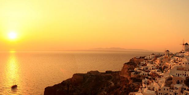 ηλιοβασίλεμα-Ελλάδα-καλοκαίρι-ήλιος-θάλασσα-Οία-Σαντορίνη