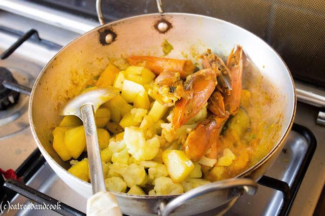 bengali chorchori with prawn heads