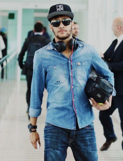 Football Player's Style: Neymar Jr Fashion Style