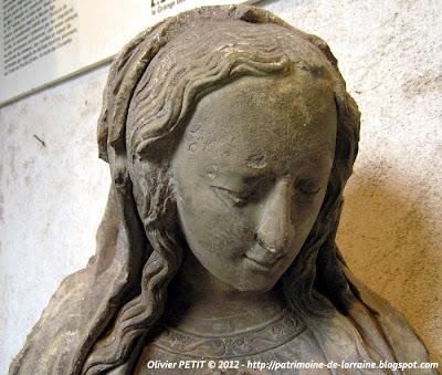 Statue de Sainte Jeanne de France (1464-1505) en pierre calcaire. XVIe siècle