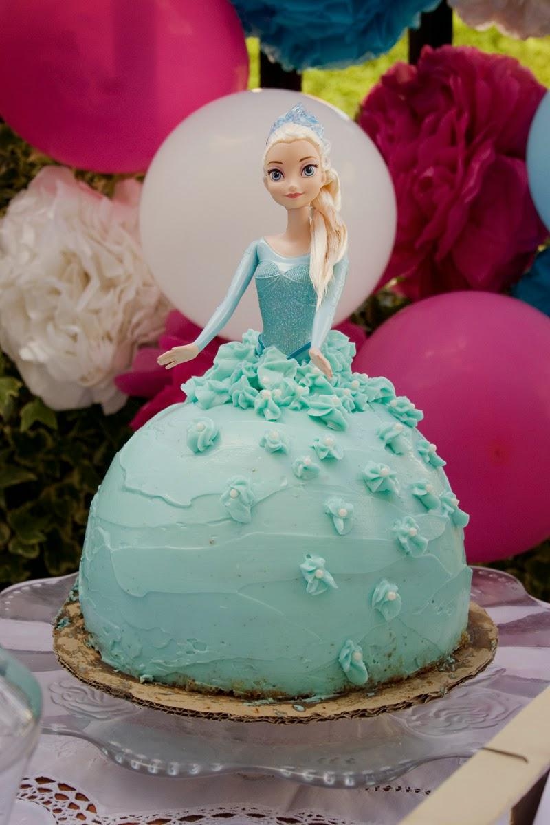 Tarta muñeca Elsa de Frozen - Cumpleaños Frozen6