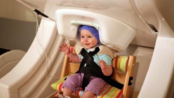 Antes de falarem os bebés praticam o discurso