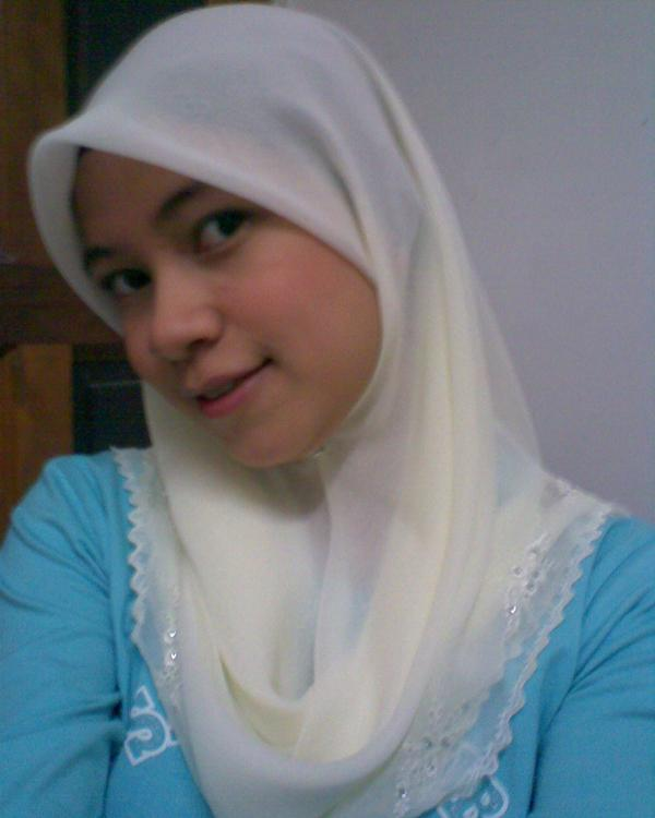 Awek Kelantan yang sangat comel. Seksi. Cun. dan lawa….