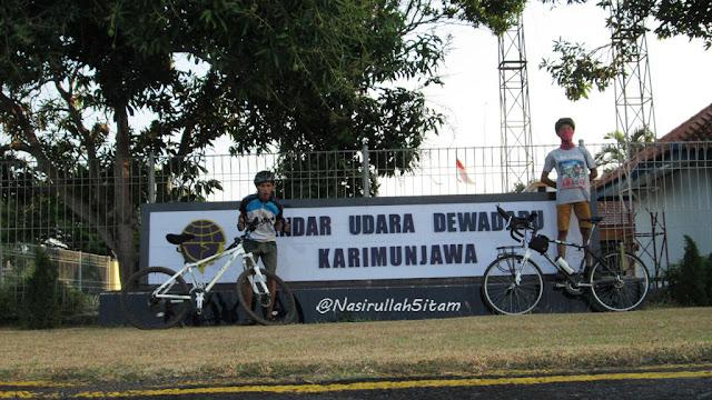 Mengelilingi Bandara Udara Dewadaru Karimunjawa