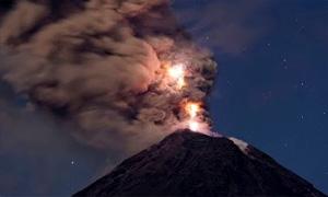 Volcanic Lightning: Rare Footage Of Epic Natural Phenomenon