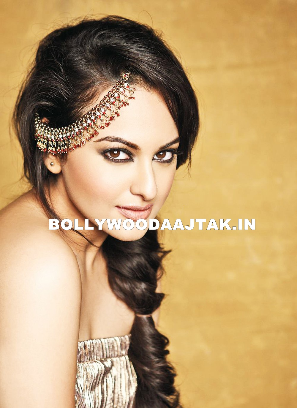 Sonakshi Sinha latest pic1 - Sonakshi Sinha Latest Unseen Hot Photoshoot HQ Images