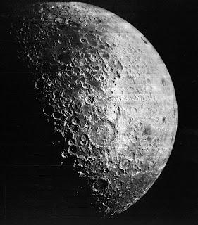 fakta unik tentang bulan