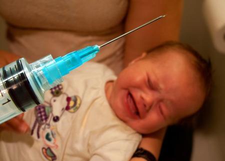 10 Razones por la que no debes vacunar a tu hijo