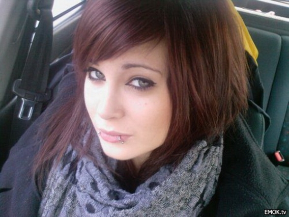 How to cut emo hair for girls emo hair color ideas for girls if youre one of those looking for some emo haircuts that will get the satisfaction with emo haircuts are given then you are sure to appear more solutioingenieria Images