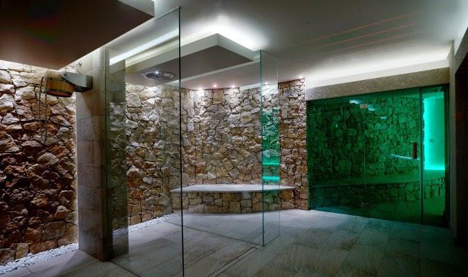 Benessere architettura - Docce per piscine esterne ...