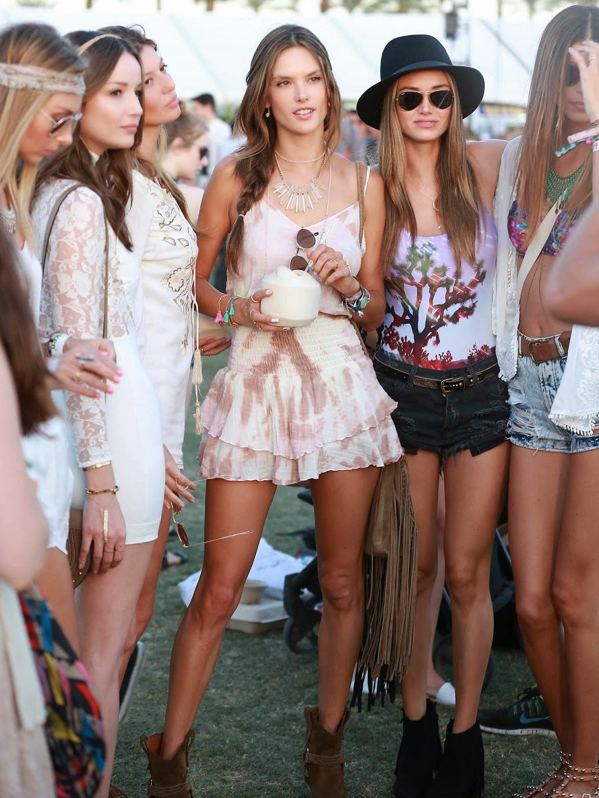 Alessandra Ambrosio – Coachella Valley Music and Arts Festival Day 3 in Indio