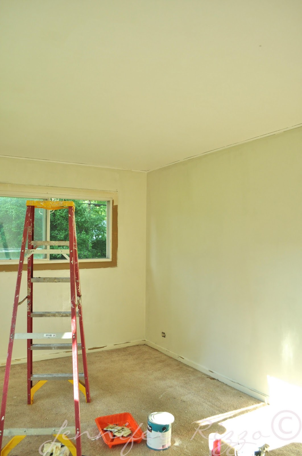 The Oak house...Cover pretty ugly walls with pretty paint colors ...
