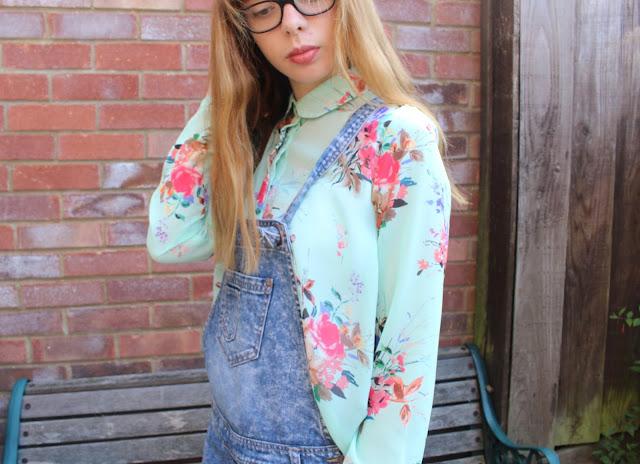How I Style | Dungarees feminine fun girly
