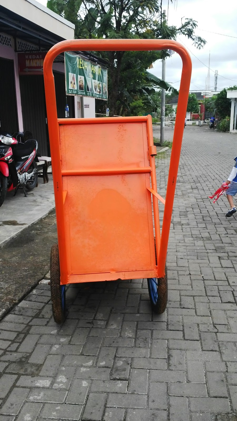 gerobak sampah besi pipa