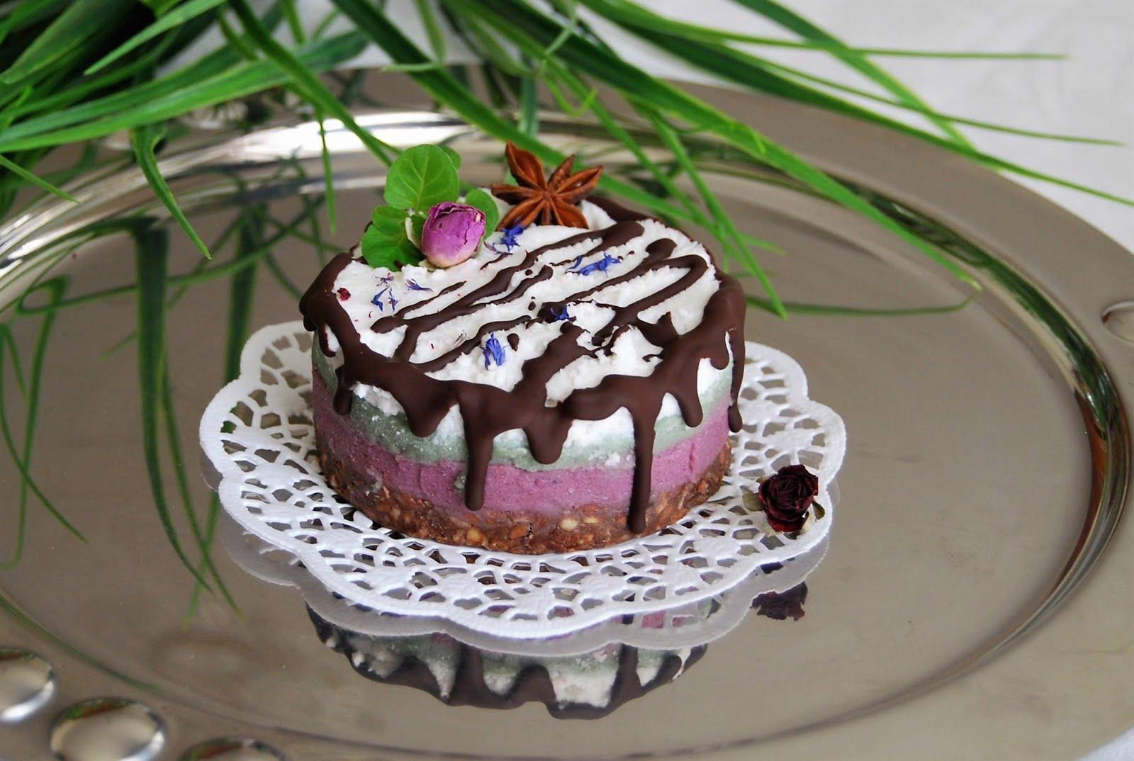 Naujos kartos nekepti tortai