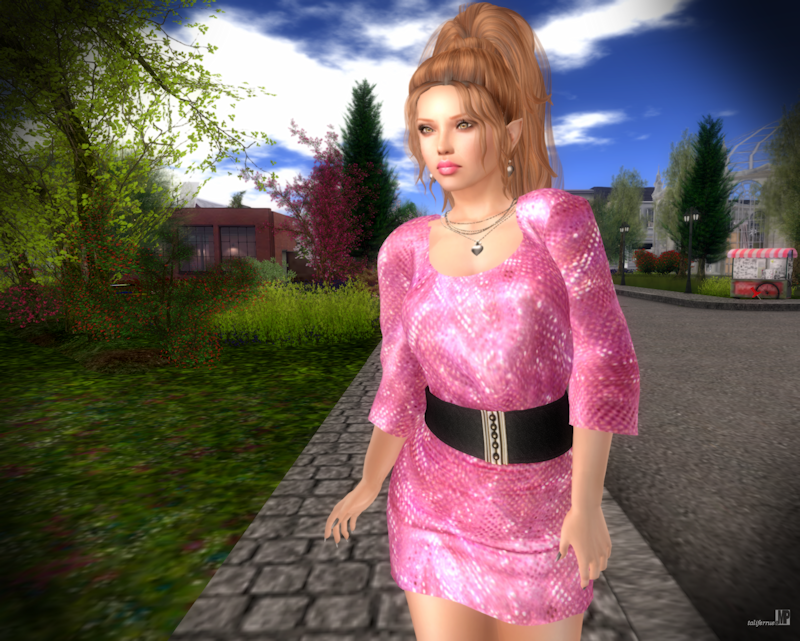 Second Life Fashion Review